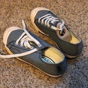 Keen tennis shoes